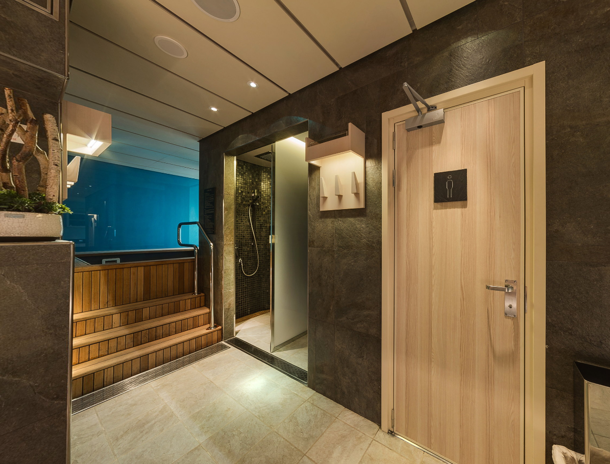 <p>Inside the spa is a sauna for you to experience the the Scandinavian bathing ritual of going from hot to cold. Simply enjoy the heat of the sauna before hoping into the cold pool, your muscles should feel very relaxed. Source: Viking Ocean Cruises. </p>