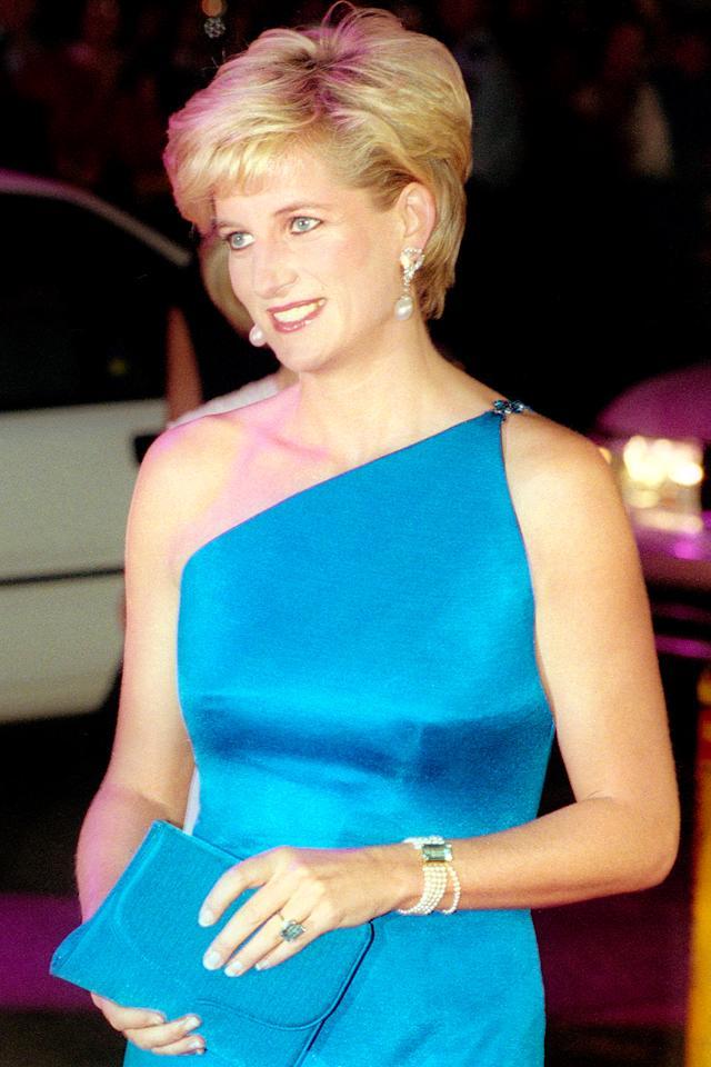 10 of princess dianas best dresses � and how you can shop