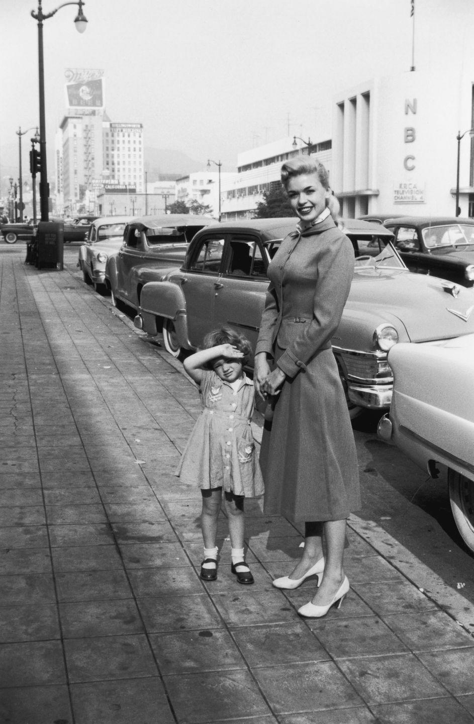 <p>Unfortunately, Jayne's husband did not share the same public aspirations as the budding star, and in 1955 the two were granted a divorce. Paul returned to Dallas, Texas and the couple's young daughter remained in Los Angeles with her mother. </p>