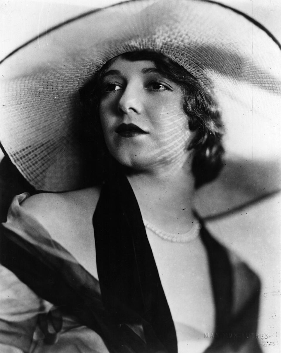 A portrait of the actress from around 1935.