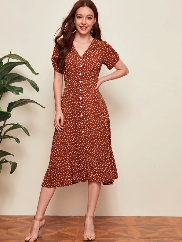 SHEIN Ditsy Floral Button Up Split Dress. Image via SHEIN.