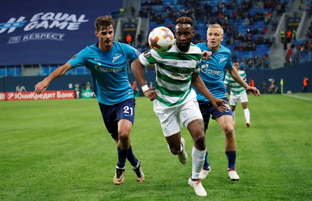 Soccer Football - Europa League Round of 32 Second Leg - Zenit Saint Petersburg vs Celtic - Stadium St. Petersburg, Saint Petersburg, Russia - February 22, 2018 Celtic's Moussa Dembele in action with Zenit St. Petersburg's Aleksandr Erokhin and Igor Smolnikov REUTERS/Maxim Shemetov