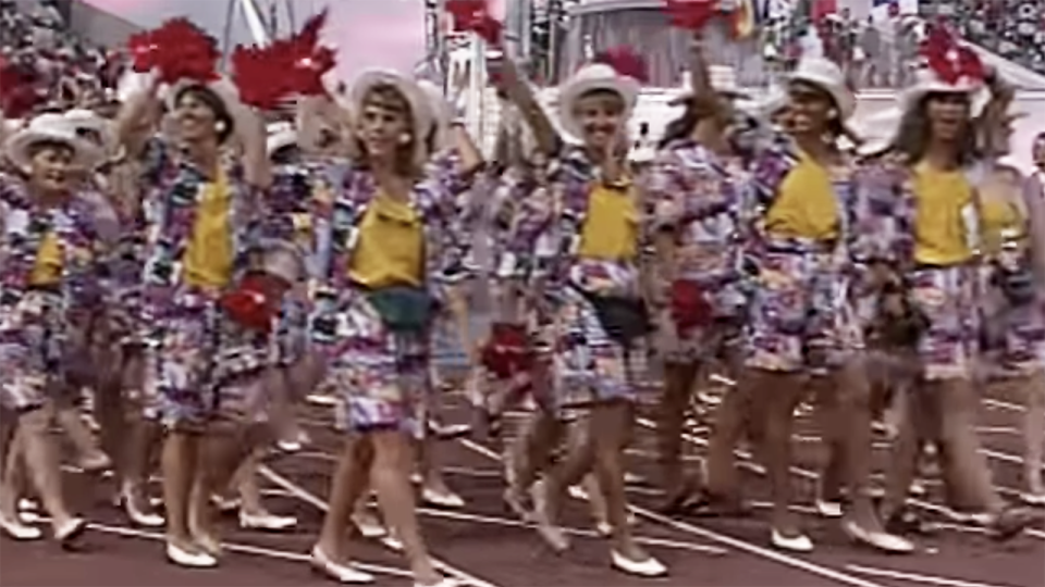 Canada Olympic team at 1992 Barcelona Games with foam maple leaves on their hands