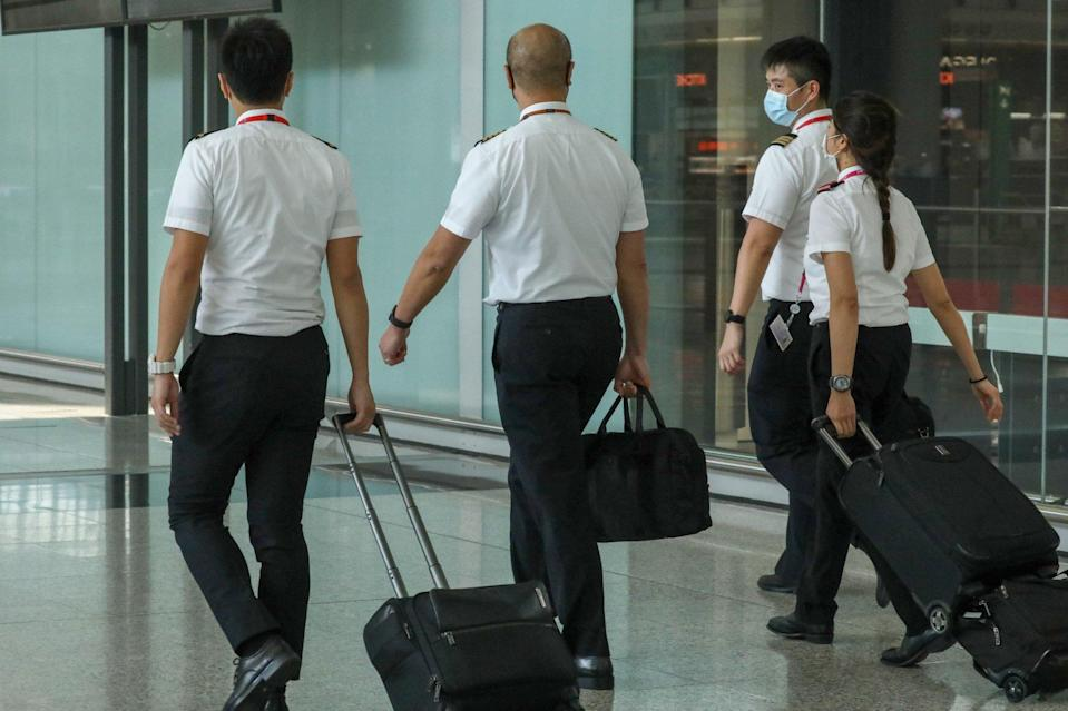 Cathay will begin voluntarily transferring pilots from shuttered overseas bases to Hong Kong. Photo: K. Y. Cheng