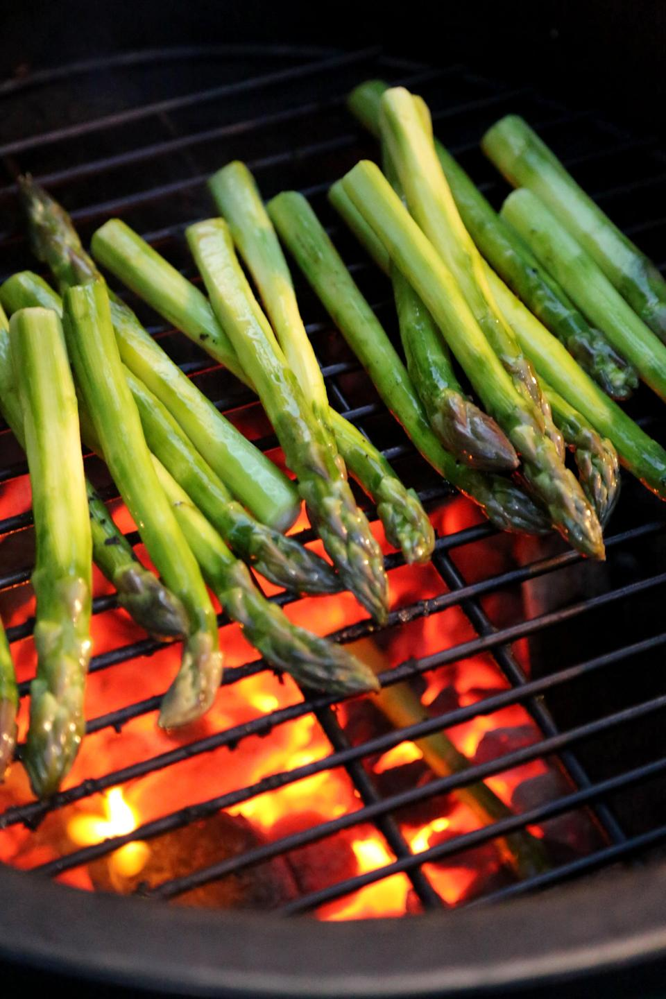 "<p>Asparagus is another low-carb side that's perfect for grilling season. Just buy thicker stalks, so they're less likely to slip between the grates.</p> <p><strong>Get the recipe:</strong> <a href=""http://www.popsugar.com/food/How-Grill-Asparagus-41379379/"" class=""link rapid-noclick-resp"" rel=""nofollow noopener"" target=""_blank"" data-ylk=""slk:grilled asparagus"">grilled asparagus</a></p>"