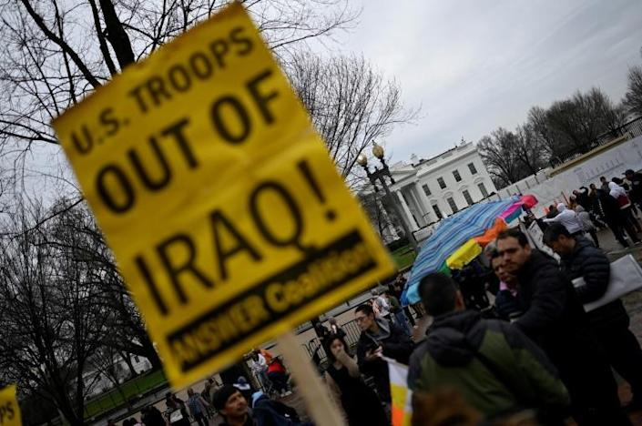 Demonstrators rally outside the White House to denounce the killing of a senior Iranian general in Iraq (AFP Photo/ANDREW CABALLERO-REYNOLDS)