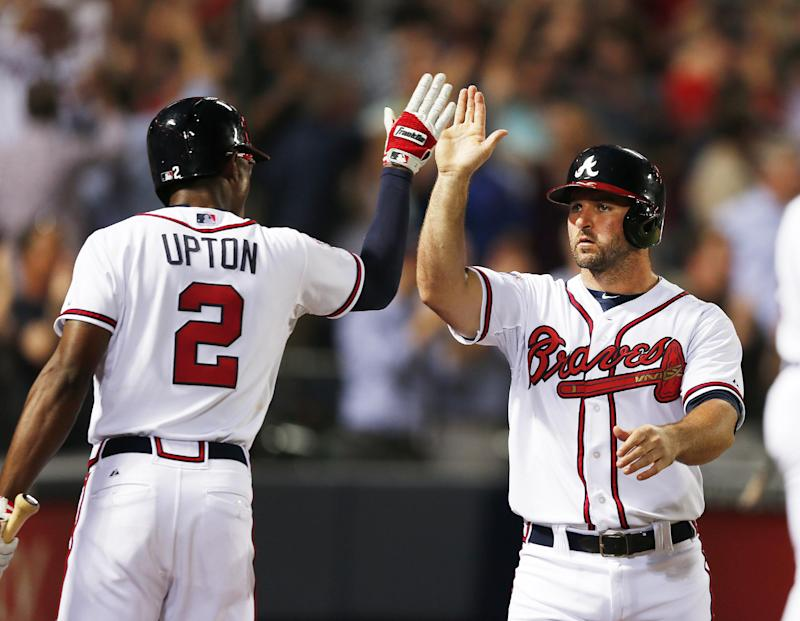 Braves score 3 in 7th, rally to beat Brewers 5-4