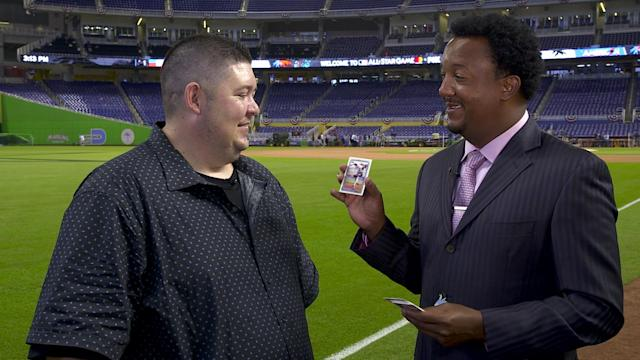 Pedro Martinez with his brother Ramon's baseball card from 1992. (Yahoo Sports)