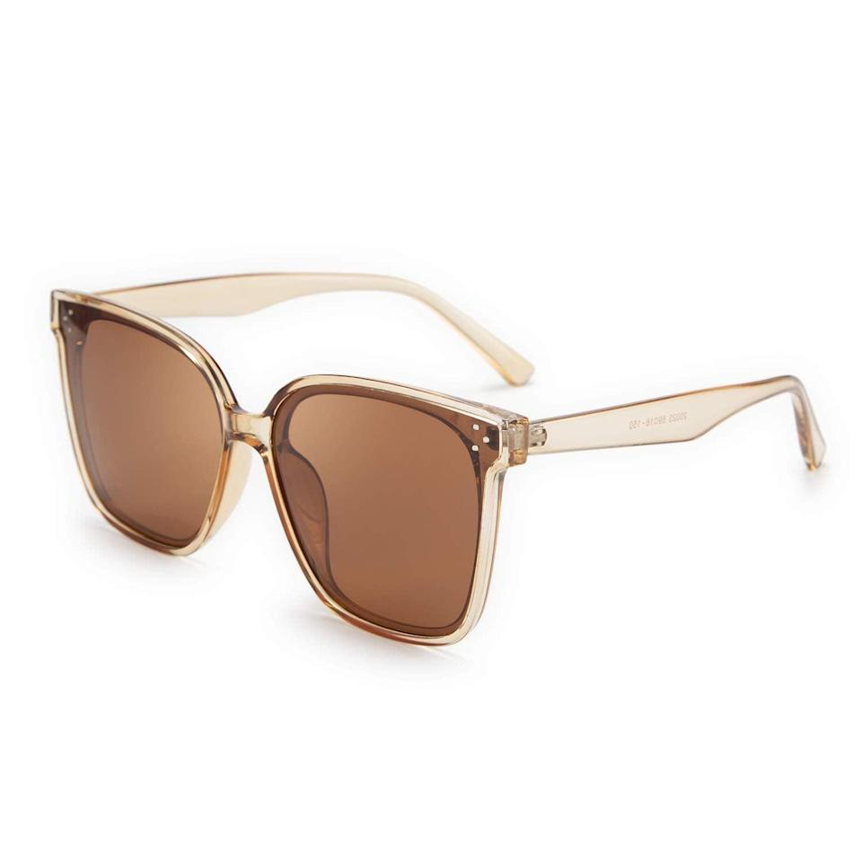 """<h2>FEISEDY Retro Square Polarized Sunglasses </h2><br><br><strong>The Hype: </strong>4.6 out of 5 stars and 525 reviews<br><br><strong>What They Are Saying:</strong> """"So comfy! Great bang for your buck, I used to always purchase Quays, and honestly these are the exact same shape and way cheaper and just as good quality!"""" - Marcie<br><br><em>Shop <strong><a href=""""https://amzn.to/3pQ9CyY"""" rel=""""nofollow noopener"""" target=""""_blank"""" data-ylk=""""slk:Feisedy"""" class=""""link rapid-noclick-resp"""">Feisedy</a></strong></em><br><br><br><strong>Feisedy</strong> FEISEDY Retro Square Polarized Sunglasses Women Men Oversized Vintage Shades B2600, $, available at <a href=""""https://amzn.to/3wcjsxo"""" rel=""""nofollow noopener"""" target=""""_blank"""" data-ylk=""""slk:Amazon"""" class=""""link rapid-noclick-resp"""">Amazon</a>"""
