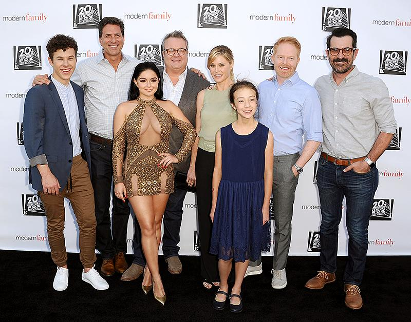 "<p>One of TV's funniest families — Nolan Gould; Eric Stonestreet; Ariel Winter; Julie Bowen; Aubrey Anderson-Emmons; Jesse Tyler Ferguson; and Ty Burrell (pictured with producer Steven Levitan) — caught some quality time at a screening of the sitcom's season finale in L.A. No word on where <a rel=""nofollow"" href=""https://www.yahoo.com/celebrity/ariel-winter-dressed-different-red-carpet-modern-family-cast-mates-154543102.html"">the glammed up Winter</a> went afterward. (Photo: Jason LaVeris/FilmMagic) </p>"