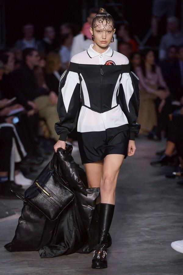 Burberry Fall 2019 Ready-to-Wear