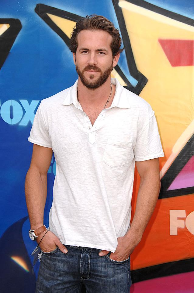 """Dare we say that a bearded Ryan Reynolds is even more beautiful than a clean-shaven one? Steve Granitz/<a href=""""http://www.wireimage.com"""" target=""""new"""">WireImage.com</a> - August 26, 2007"""
