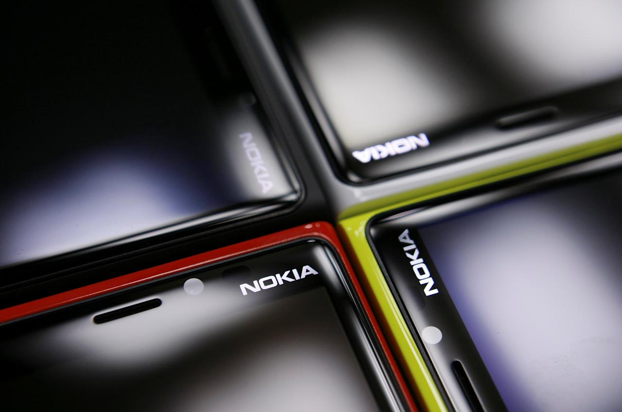 FILE PHOTO: Nokia Lumia smartphones are pictured in a shop in Warsaw, January 11, 2013.   REUTERS/Kacper Pempel/File Photo