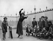 <p>A teacher at a London school teaches her pupils how to play cricket. <br></p>