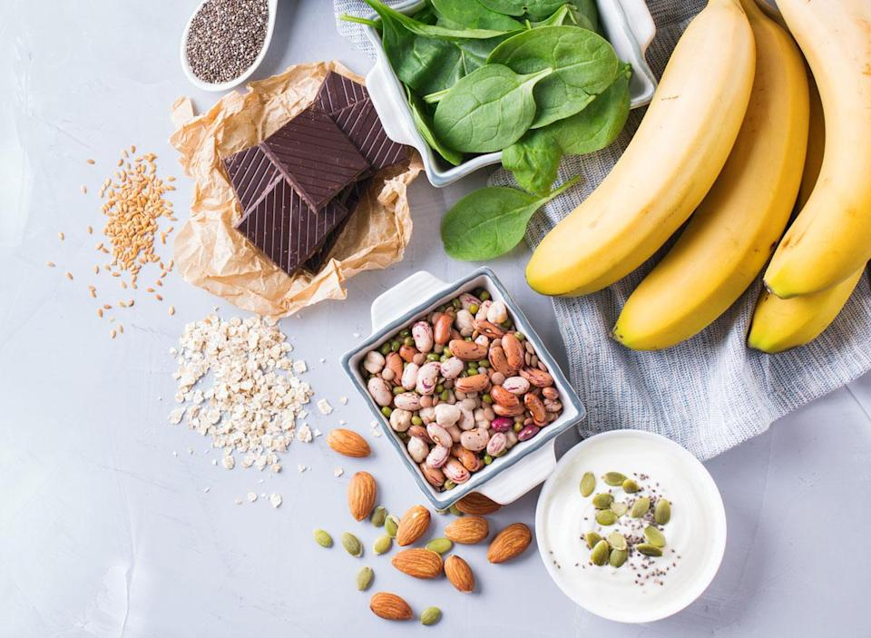 Magnesium foods benefits bananas nuts chocolate spinach