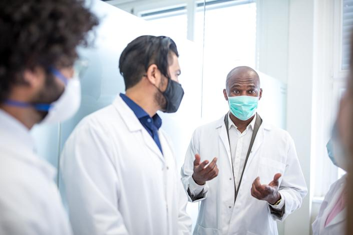 When a doctor makes an interesting or surprising claim, check to see if it has garnered support from others in the medical community. (Photo: Coolpicture via Getty Images)