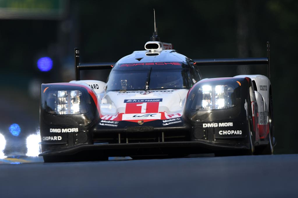 England's Nick Tandy drives his Porsche 919 Hybrid N°1 during the second qualifying practice session of the Le Mans 24 hours endurance race, on June 15, 2017 in Le Mans, northwestern France. (AFP Photo/JEAN-FRANCOIS MONIER)