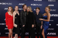 <p>The Canadian singer walked the red carpet with his entire family, including his wife, who he actually met while presenting a Juno award! </p>