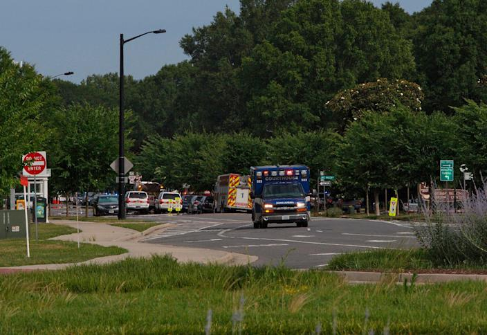 Emergency vehicles respond near the intersection of Princess Anne Road and Nimmo Parkway following a shooting at the Virginia Beach Municipal Center on May 31, 2019, in Virginia Beach, Va.  (Photo: Kaitlin McKeown/The Virginian-Pilot via AP)