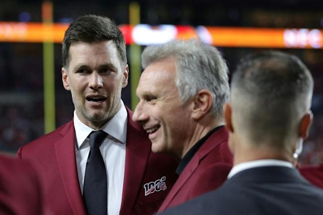Tampa Bay Buccaneers quarterback Ton Brady, left, chats with NFL legend Joe Montana, center, at last month's Super Bowl (AFP Photo/Maddie Meyer)