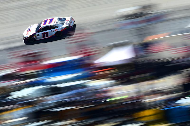 Hamlin holds off DiBenedetto to win