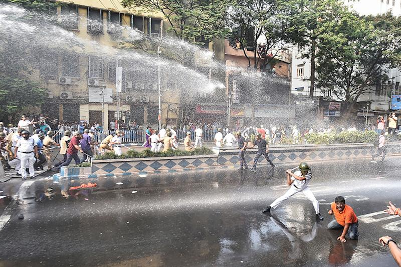 Over 60 BJP Workers Injured in Clash With Kolkata Police During Protest Against Spike in Dengue Cases