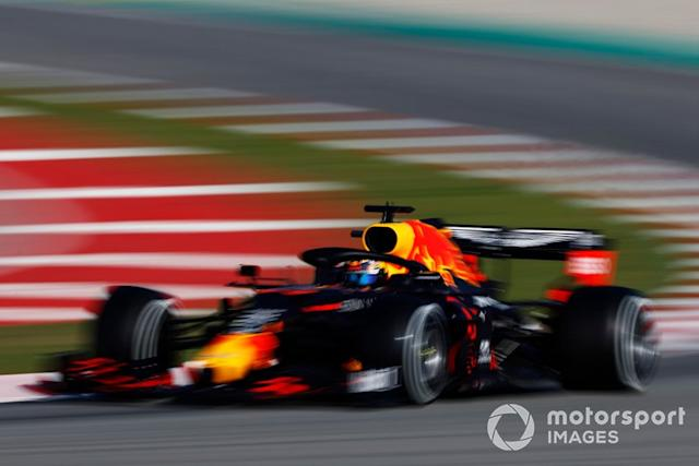 "Alex Albon, Red Bull Racing RB16 <span class=""copyright"">Glenn Dunbar / Motorsport Images</span>"