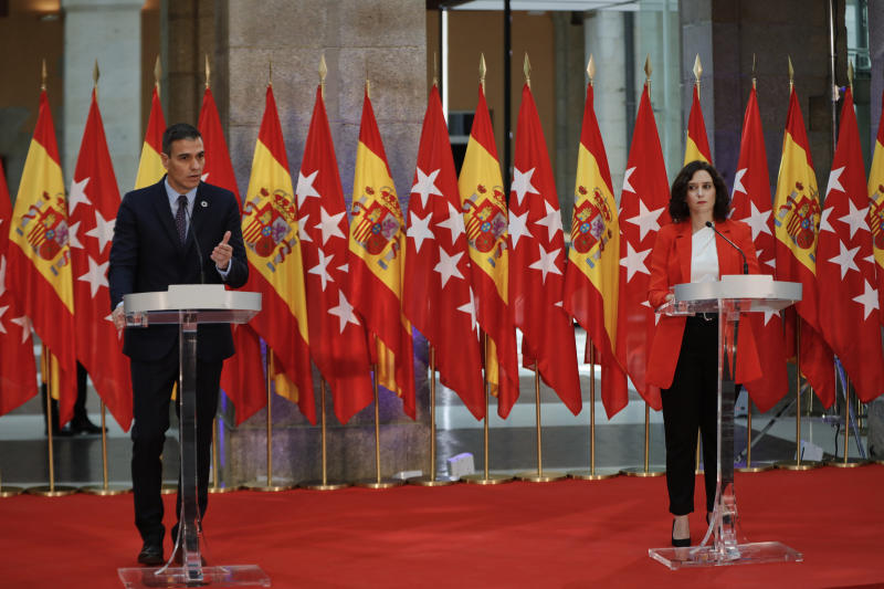 Pedro Sánchez e Isabel Díaz Ayuso en la reunión mantenida en Madrid. (Photo by Europa Press/J.Hellín.Pool/Europa Press via Getty Images)