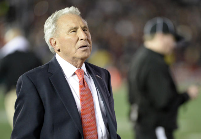 Random offseason tweet of the day: Lee Corso went to the New York Stock Exchange (Photo)
