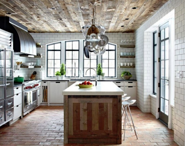 Reclaimed Wood Is All The Rage 11 Ideas Youll Pine Over