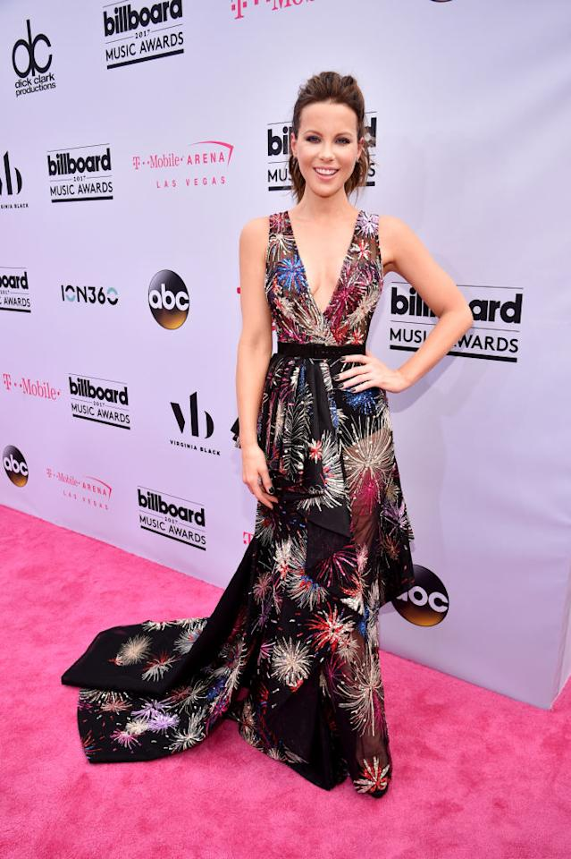 <p>Actress Kate Beckinsale shuts it down in Zuhair Murad. (Photo: Getty Images) </p>