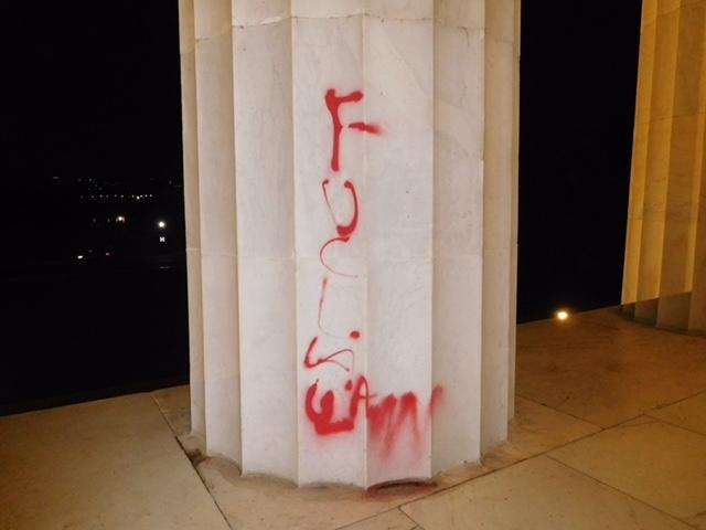 Graffiti on the Lincoln Memorial