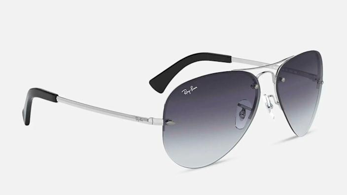 Summer in style with these stylish Ray-Ban Aviators.