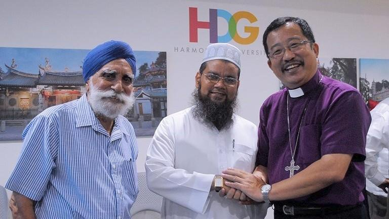 Singapore Deports Indian Imam for Remarks Against Jews, Christians