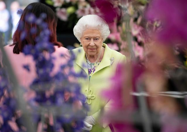 Queen Elizabeth at the Chelsea Flower Show in 2019. (Getty Images)