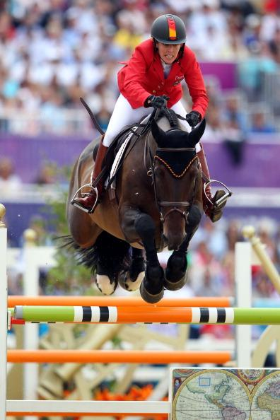 LONDON, ENGLAND - AUGUST 08:  Meredith Michaels-Beerbaum of Germany riding Bella Donna competes in the Individual Jumping Equestrian on Day 12 of the London 2012 Olympic Games at Greenwich Park on August 8, 2012 in London, England.  (Photo by Alex Livesey/Getty Images)