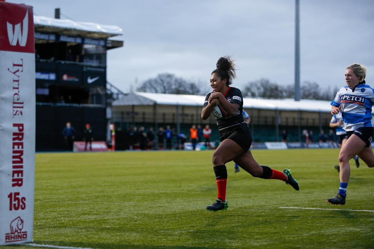 Harlequins and Saracens maintain perfect records