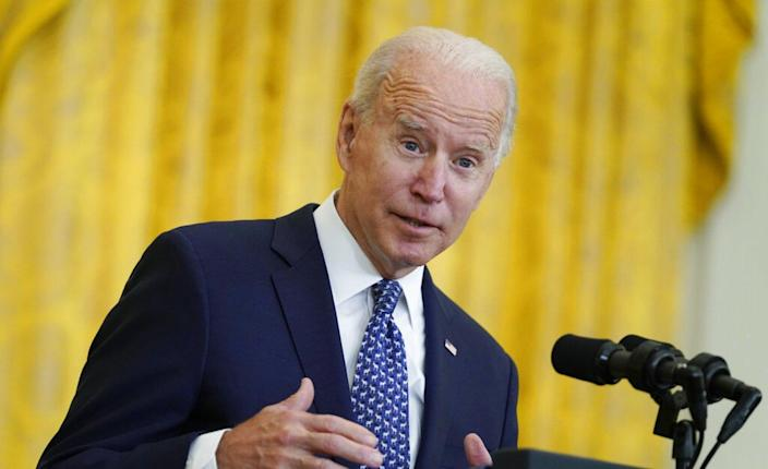 Biden quips about sleeping with NEA member 'every night' at labor event