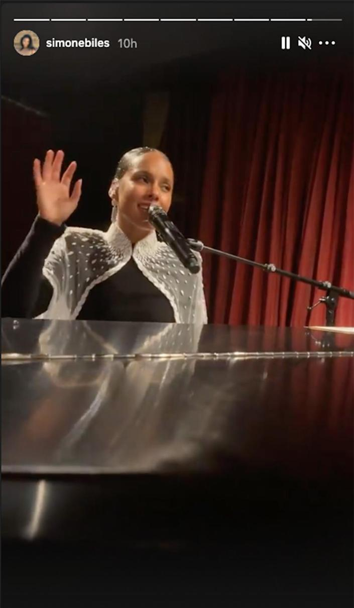 <p>Simone Biles had a front-row seat to Alicia Keys' afterparty performance at Casa Cipriani. </p>