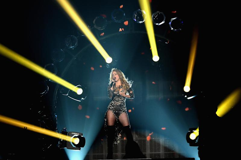 Shakira performs during the 2014 Billboard Music Awards at the MGM Grand Garden Arena on May 18, 2014 in Las Vegas, Nevada