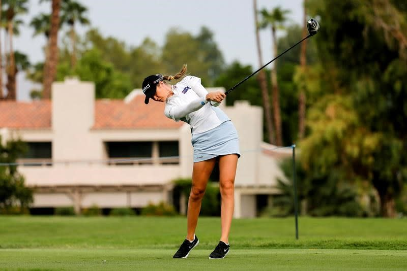 Korda rides hot putter in the desert to early 36-hole lead