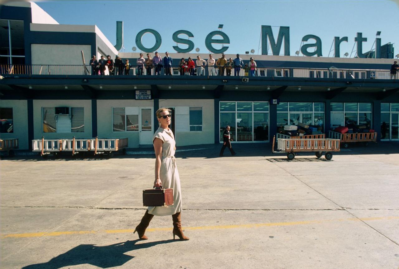 <p>Margaux Hemingway—actress, model, and granddaughter to Ernest Hemingway—at the José Martí International Airport in Havana, Cuba, in February 1978.</p>