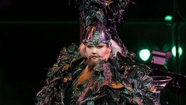 PHOTO: American mezzo-soprano Stephanie Blythe performs in drag as Blythely Oratonio at Lincoln Center's 'American Songbook' festival. (Kevin Yatarola/Lincoln Center)