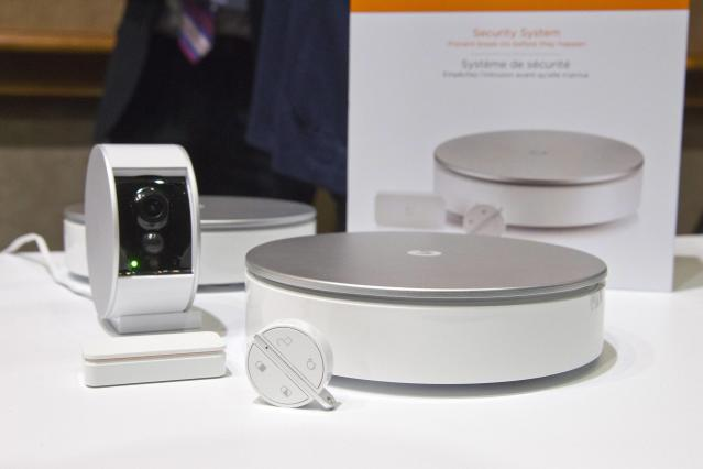 A MyFox wireless home security system is displayed during the 2015 International Consumer Electronics Show (CES) in Las Vegas, Nevada January 4, 2015. The system includes a sensor that can tell the difference between natural noises and a break-in. The security camera comes with a sliding physical cover for privacy. REUTERS/Steve Marcus (UNITED STATES - Tags: SCIENCE TECHNOLOGY BUSINESS)