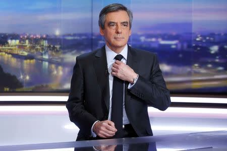 Francois Fillon, Would-Be French President, Fights Wife's Scandal