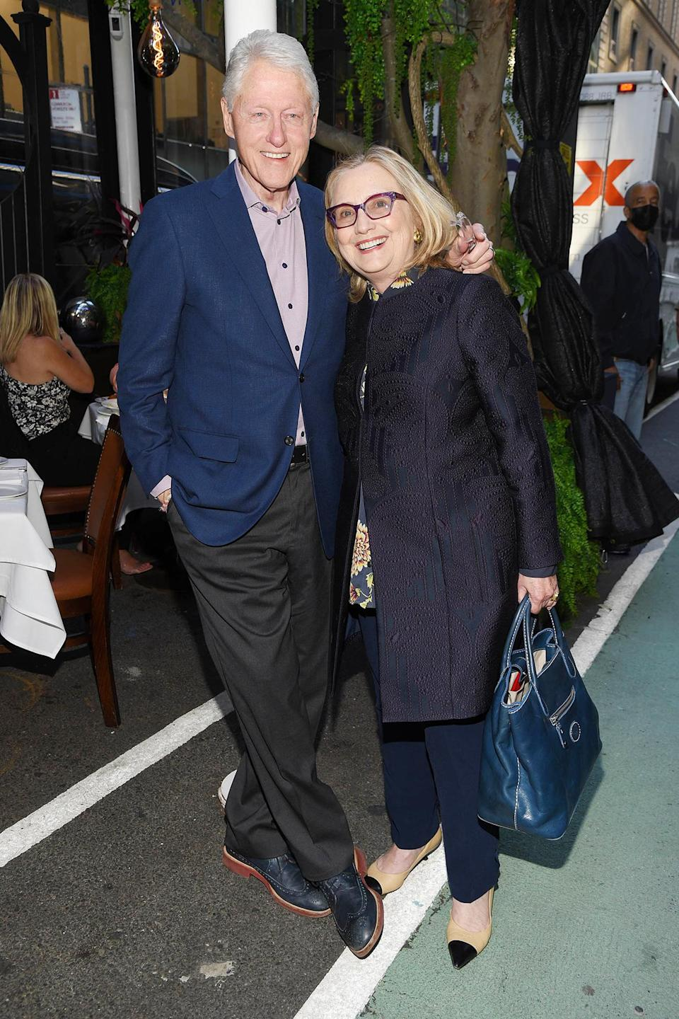 <p>Bill and Hillary Clinton step out for a bite to eat on June 23 in N.Y.C</p>