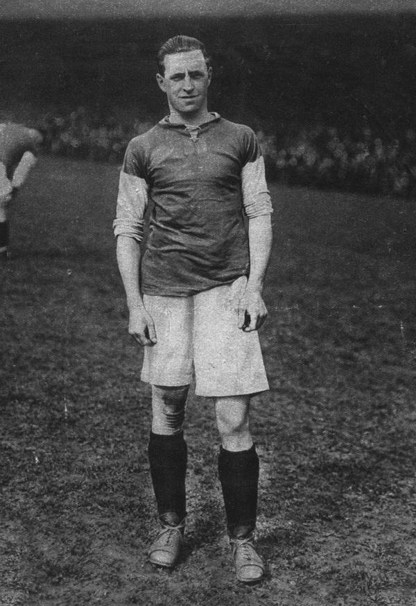 <p><b>Syd Puddefoot</b><br><b>1922:</b> West Ham to Falkirk for £5,000 </p>