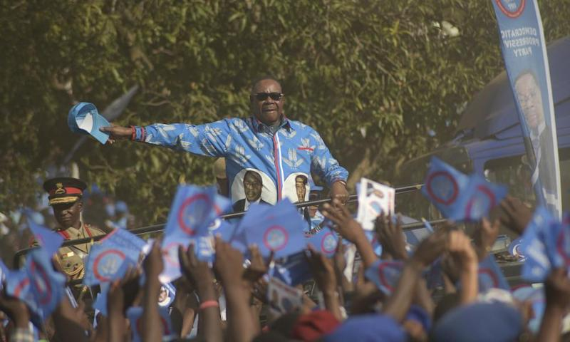 The Malawian president, Peter Mutharika, arrives at a rally in Blantyre