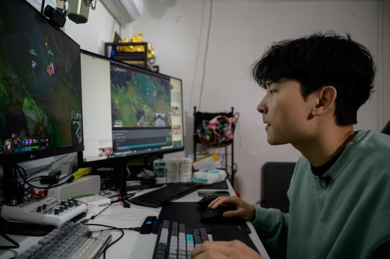 Kim, who often streams himself playing online battle game League of Legends in his pyjamas, builds on his content with conversations that flirt with the country