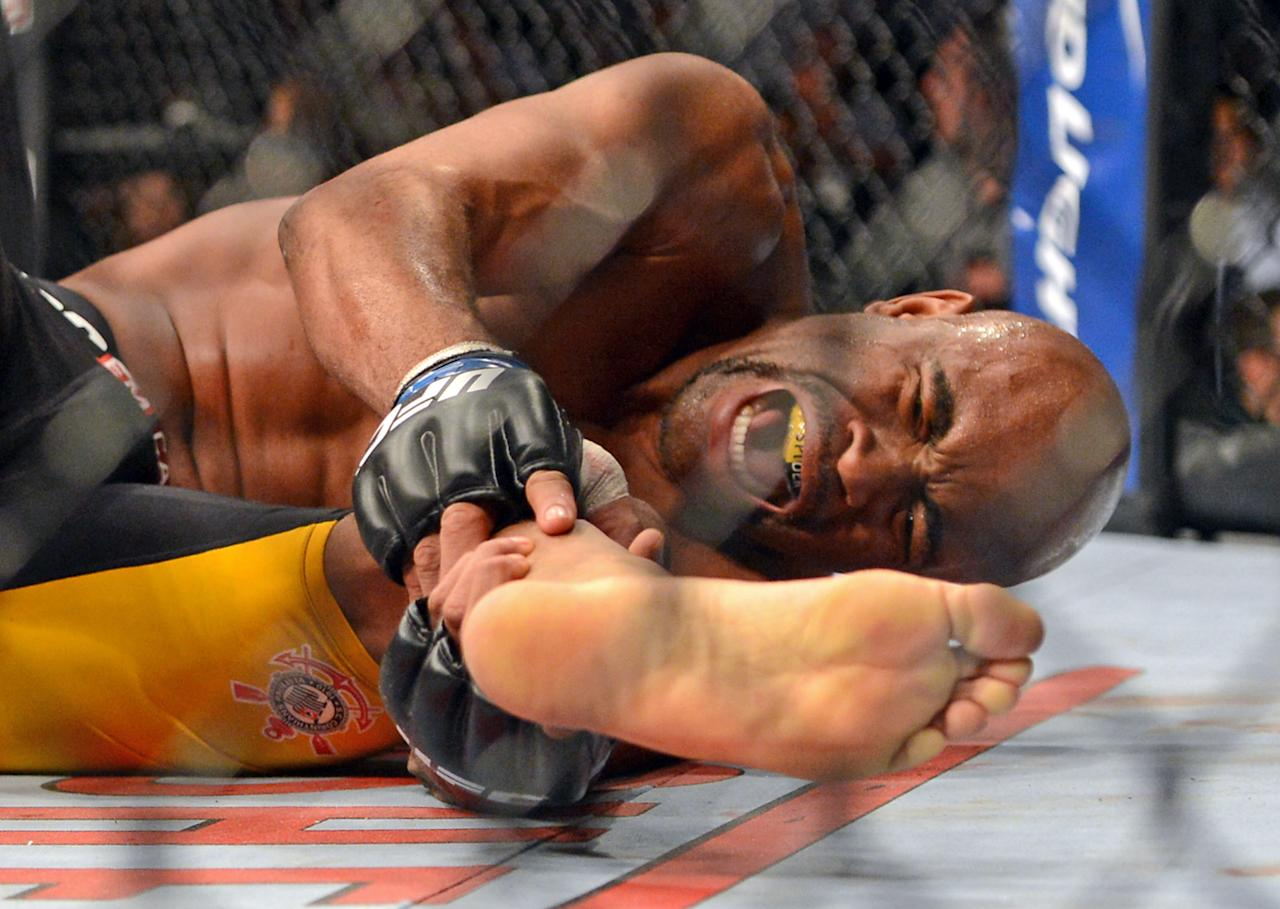 Anderson Silva is still haunted by the pain of his 2013 leg injury. (Jayne Kamin-Oncea-USA TODAY Sports)
